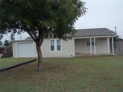 Abernathy Single Family Home Under Contract: 104 South Ave E
