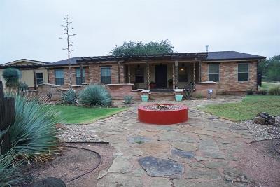 Single Family Home For Sale: 702 Cochran