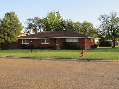 Bailey County, Lamb County Single Family Home For Sale: 100 East 18th
