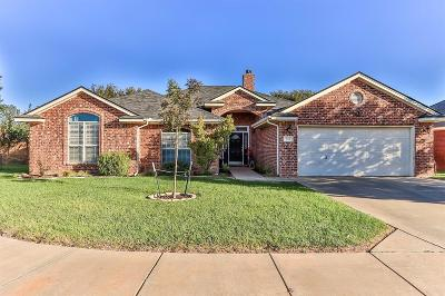 Wolfforth Single Family Home Contingent: 406 Longhorn Boulevard