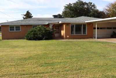 Bailey County, Lamb County Single Family Home For Sale: 1901 West Ave E