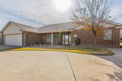 Lubbock Single Family Home For Sale: 2611 Loyola Street
