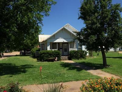 Single Family Home For Sale: 622 Burlington Avenue