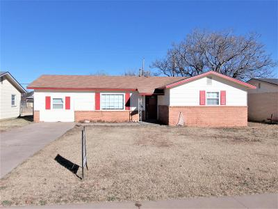 Lubbock Single Family Home For Sale: 1208 46th Place