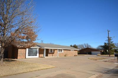 Shallowater Single Family Home Under Contract: 1209 8th Street