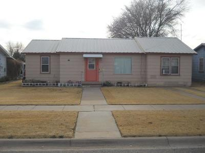 Bailey County, Lamb County Single Family Home For Sale: 222 E Date
