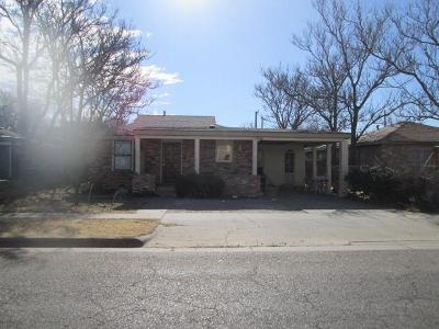 Lubbock Single Family Home For Sale: 2705 1st Place