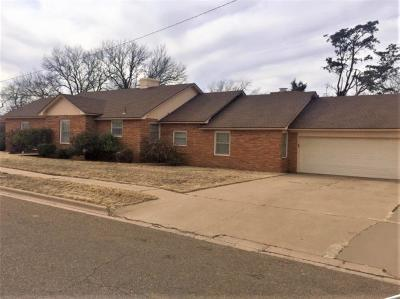 Brownfield Single Family Home For Sale: 321 S Club