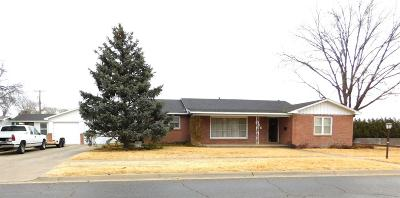 Bailey County, Lamb County Single Family Home Under Contract: 706 W Ave D