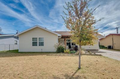 Lubbock Single Family Home For Sale: 3117 Aberdeen Avenue