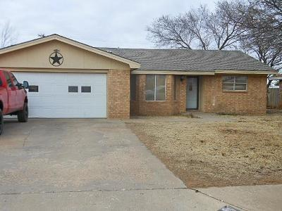 Brownfield Single Family Home For Sale: 609 E Grace