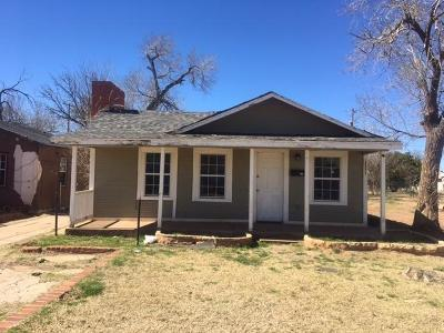 Lubbock Single Family Home For Sale: 2006 Ave L