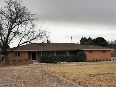 Single Family Home For Sale: 226 Country Club Lane