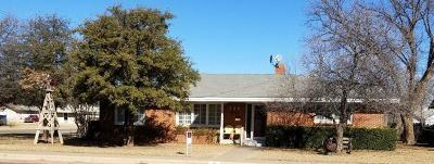 Slaton  Single Family Home For Sale: 350 W Garza Street