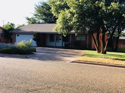 Brownfield TX Single Family Home Contingent: $156,000