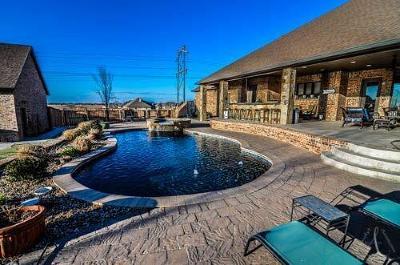 Lubbock  Single Family Home For Sale: 10702 Kline Avenue
