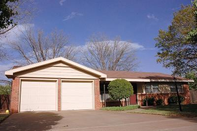 Slaton  Single Family Home For Sale: 130 N Terry Drive