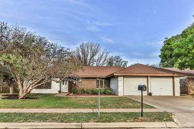 Lubbock Single Family Home For Sale: 7410 Raleigh Avenue
