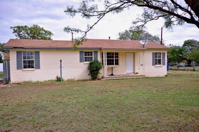 Slaton Single Family Home For Sale: 330 E Dickens Street