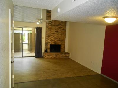 Lubbock County Condo For Sale: 8601 Memphis Drive