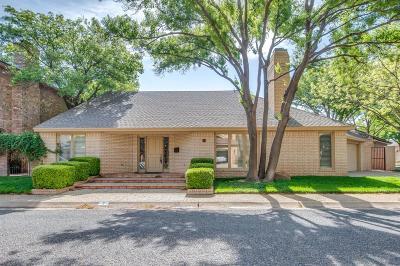 Lubbock Garden Home For Sale: 9102 Vicksburg Avenue