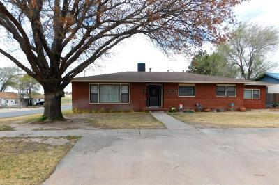Bailey County, Lamb County Single Family Home For Sale: 622 W 7th
