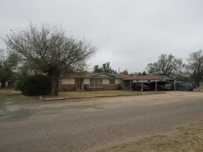Bailey County, Lamb County Single Family Home For Sale: 504 NE 2nd