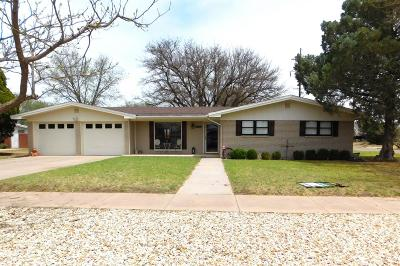 Bailey County, Lamb County Single Family Home For Sale: 1502 W Ave C