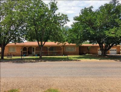 Tahoka TX Single Family Home For Sale: $179,900
