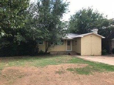 Lubbock Single Family Home Under Contract: 909 83rd Street