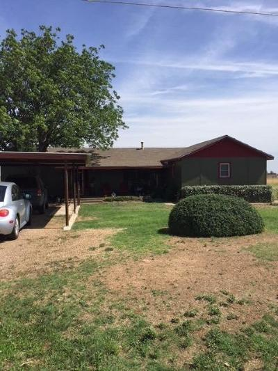 Slaton Single Family Home Under Contract: 10405 E Woodrow Road