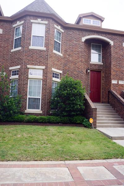 Townhouse For Sale: 2139 10th Street