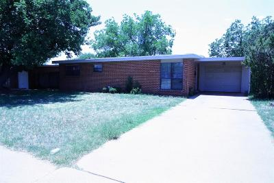 Lubbock County Single Family Home Under Contract: 2707 65th Street