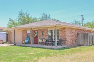 Abernathy Single Family Home Under Contract: 1407 Ave J