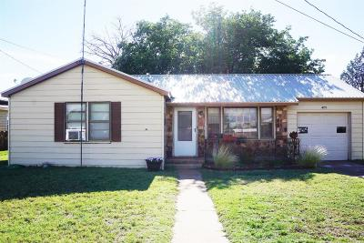 Brownfield Single Family Home For Sale: 409 N C Street