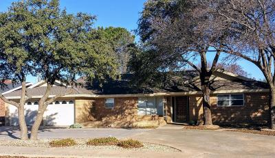 Levelland Single Family Home For Sale: 203 Cottonwood Lane