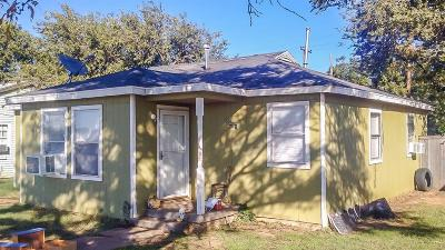 Lubbock County Single Family Home For Sale: 5421 Interstate 27