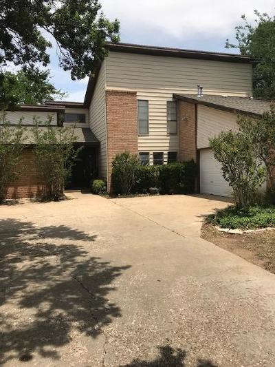 Lubbock TX Single Family Home Under Contract: $209,900