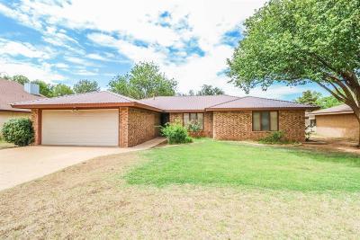 Bailey County, Lamb County Single Family Home Under Contract: 109 E 27th Street