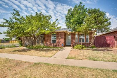 Lubbock Garden Home Under Contract: 1118 La Salle