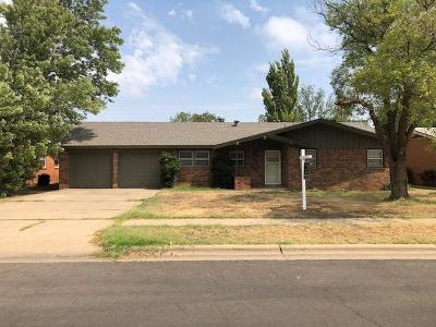 Lubbock Single Family Home Under Contract: 5430 15th Street