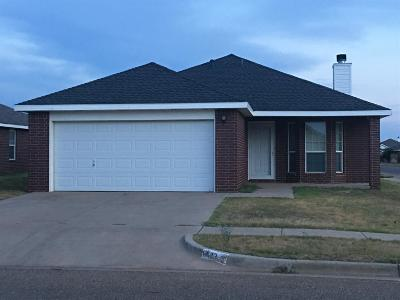 Lubbock TX Single Family Home Under Contract: $139,900