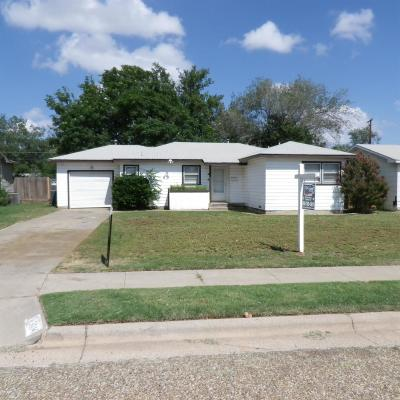 Lubbock Single Family Home Under Contract: 3014 45th Street