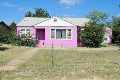Brownfield TX Single Family Home For Sale: $63,000