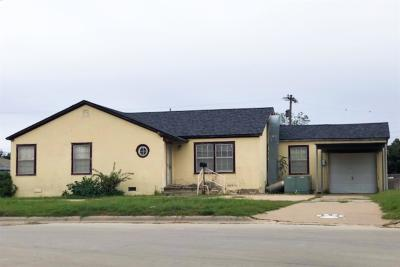 Slaton Single Family Home For Sale: 1225 W Garza Street