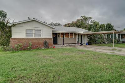 Lubbock County Single Family Home For Sale: 1301 60th Street