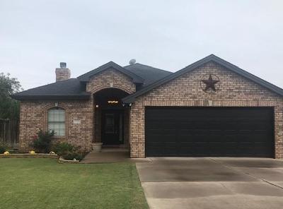Idalou Single Family Home Under Contract: 802 Holly Avenue