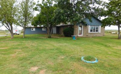 Bailey County, Lamb County Single Family Home For Sale: 1510 W Us Highway 84