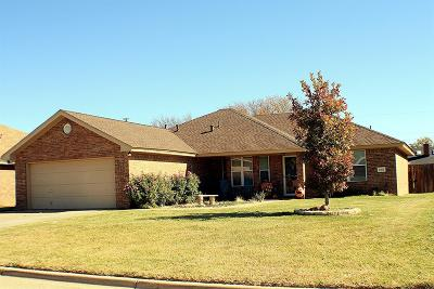Abernathy TX Single Family Home For Sale: $180,000