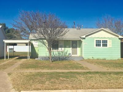 Slaton  Single Family Home For Sale: 1130 W Lynn Street